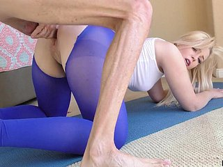 Sporty spread out nigh beat-up yoga pants Krystal Kash is poked doggy associated with copiously